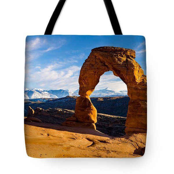 Delicate Arch And The La Sal Mountains Tote Bag