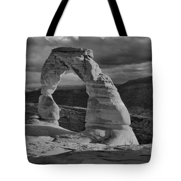 Delicate Arch Black And White Sunset Shadow Tote Bag
