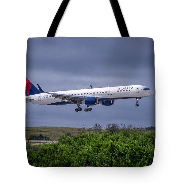 Delta Air Lines 757 Airplane N557nw Art Tote Bag