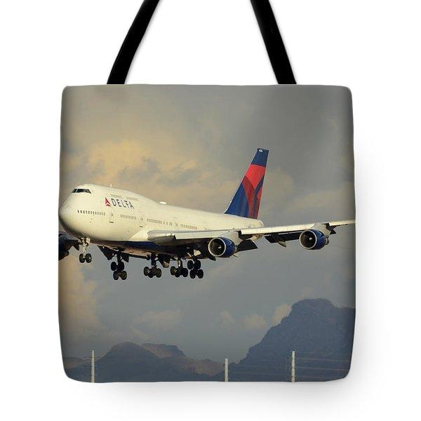 Delta Boeing 747-451 N668us Phoenix Sky Harbor January 8 2015 Tote Bag