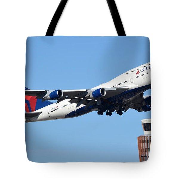 Delta Boeing 747-451 N674us Phoenix Sky Harbor January 12 2015 Tote Bag