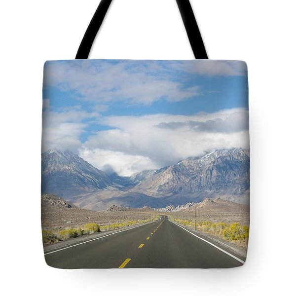 Deserted Road To Mt. Whitney Tote Bag by Jeff Lowe