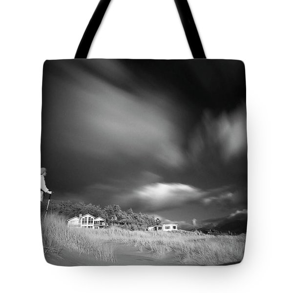 Tote Bag featuring the photograph Destination by William Lee