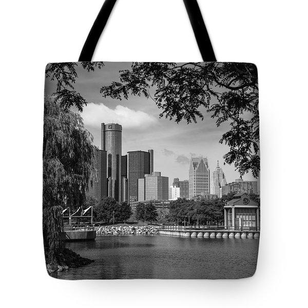 Detroit Skyline And Marina Black And White  Tote Bag