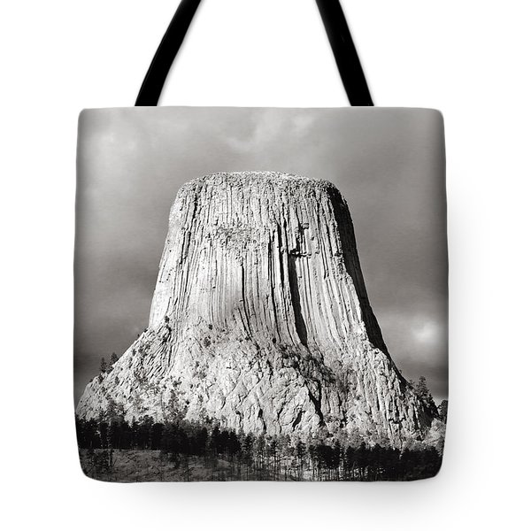 Devil's Tower Black And White Tote Bag