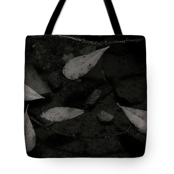Foglie Morte Tote Bag