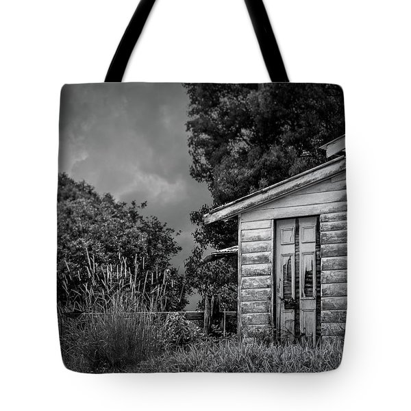 Don't Come Knockin' Tote Bag by Wallaroo Images