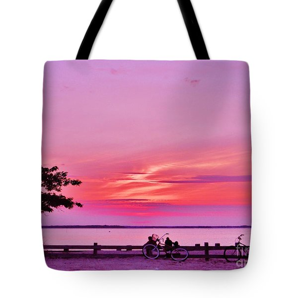 Tote Bag featuring the photograph Summer Down The Shore by Susan Carella