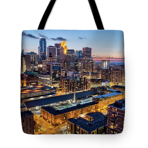 Downtown Minneapolis At Dusk Tote Bag