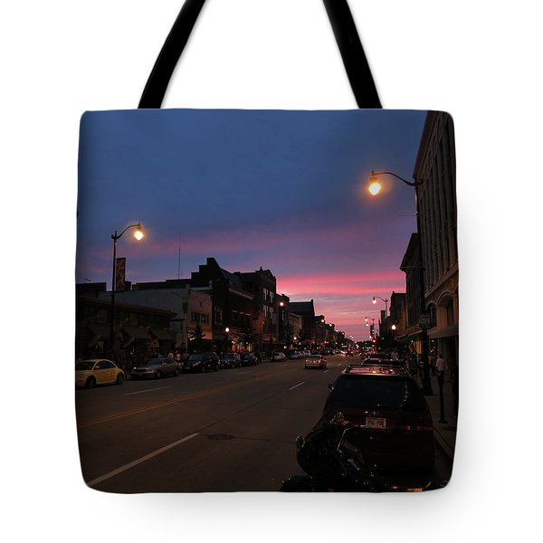 Tote Bag featuring the photograph Downtown Racine At Dusk by Mark Czerniec