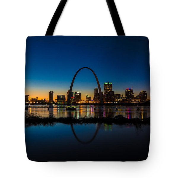Downtown St. Louis And The Gateway Arch Tote Bag