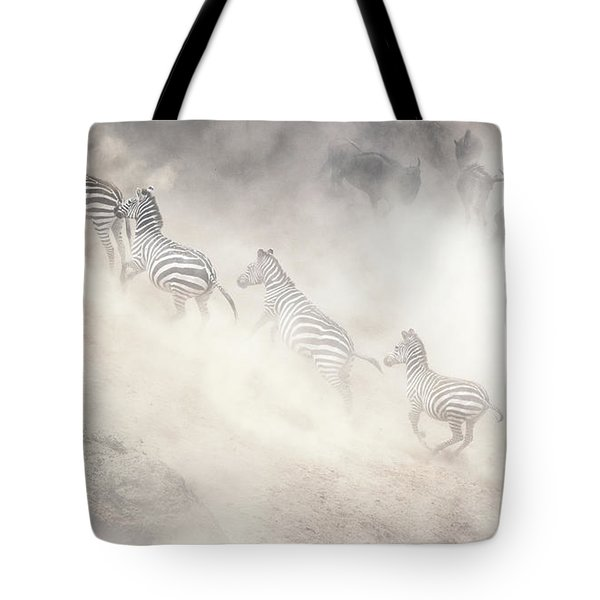 Dramatic Dusty Great Migration In Kenya Tote Bag