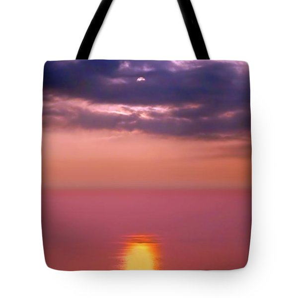 Tote Bag featuring the photograph Dramatic Sunset Over The Taiwan Strait by Yali Shi