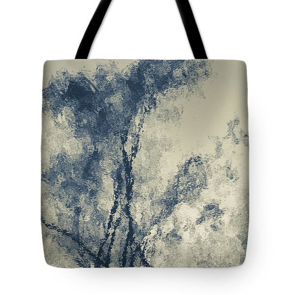Tote Bag featuring the photograph Dreamland by Tom Vaughan