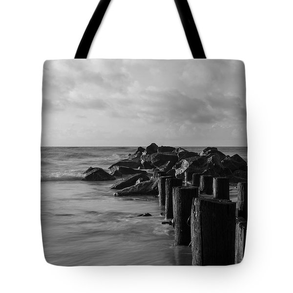 Dreamy Jettie Grayscale Tote Bag