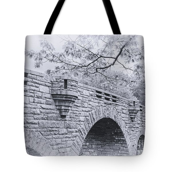 Duck Brook Bridge In Black And White Tote Bag