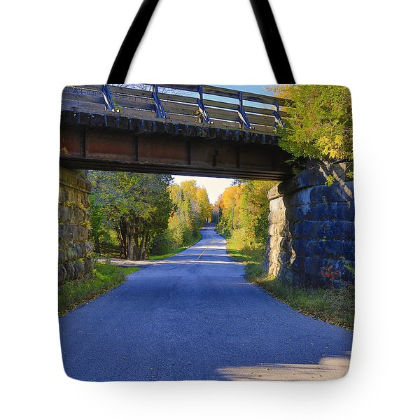 Tote Bag featuring the photograph Duffy's Lane by Gary Hall