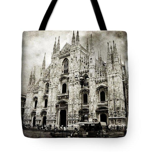 Duomo Di Milano Tote Bag by Laura Melis