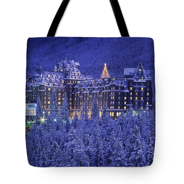 D.wiggett Banff Springs Hotel In Winter Tote Bag