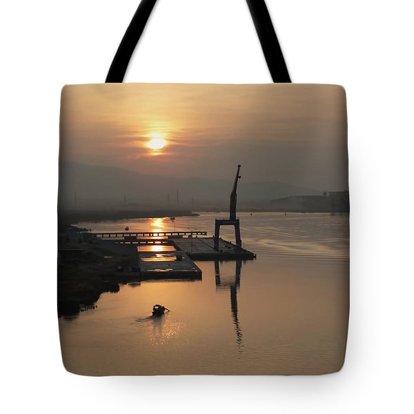 Tote Bag featuring the photograph Early Hour On The River by Lucinda Walter