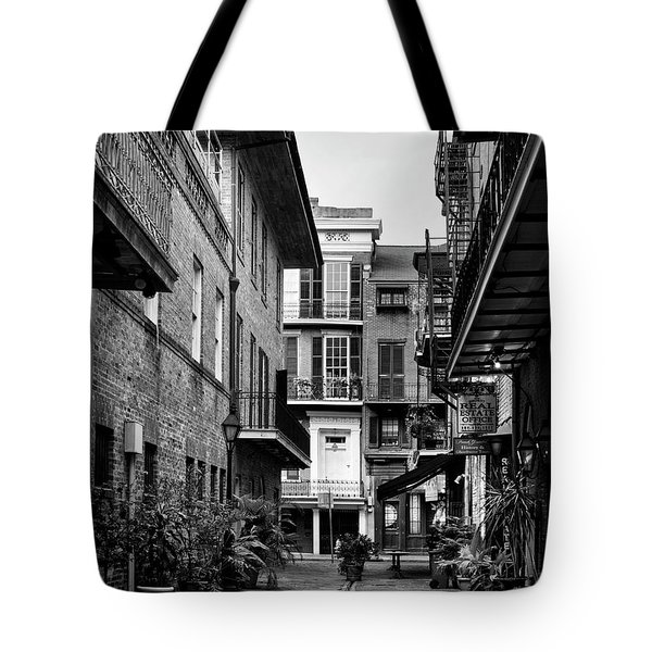 Early Morning At Pirate Alley In Black And White Tote Bag