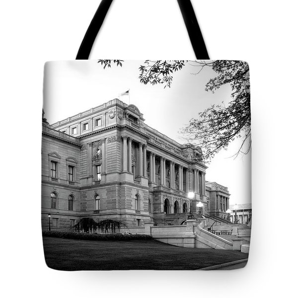 Early Morning At The Library Of Congress In Black And White Tote Bag