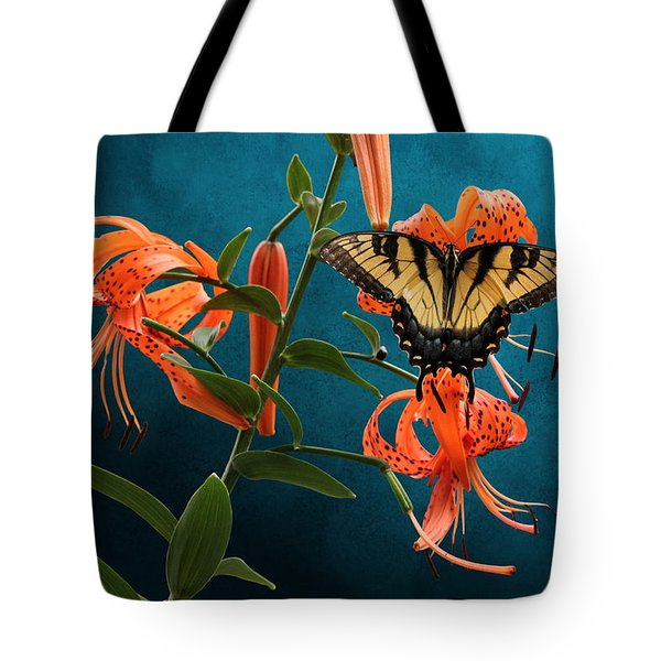 Eastern Tiger Swallowtail Butterfly On Orange Tiger Lily Tote Bag