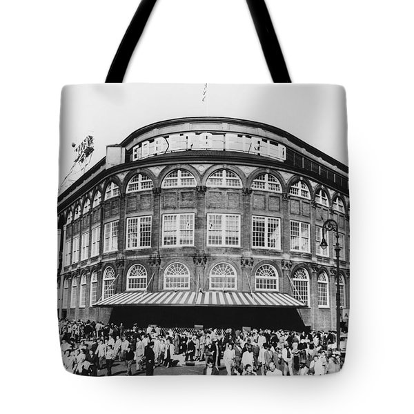 Ebbets Field, Brooklyn, Nyc Tote Bag by Photo Researchers