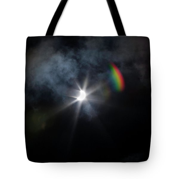 Solar Eclipse 2017 And Rainbow Tote Bag