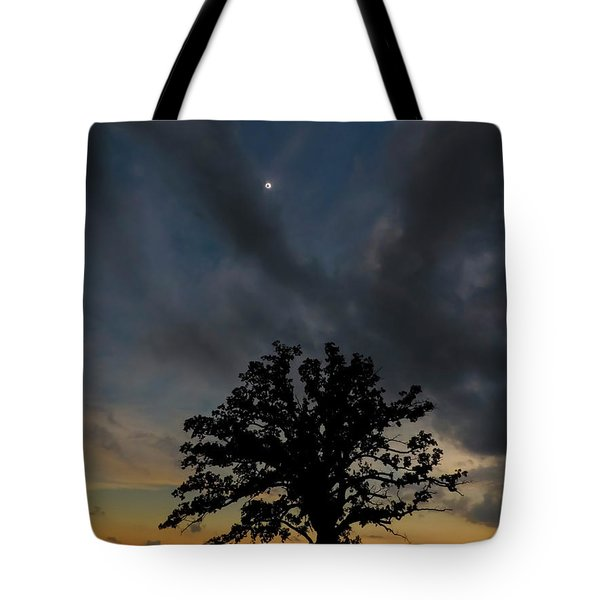 Eclipse Sunset Tote Bag