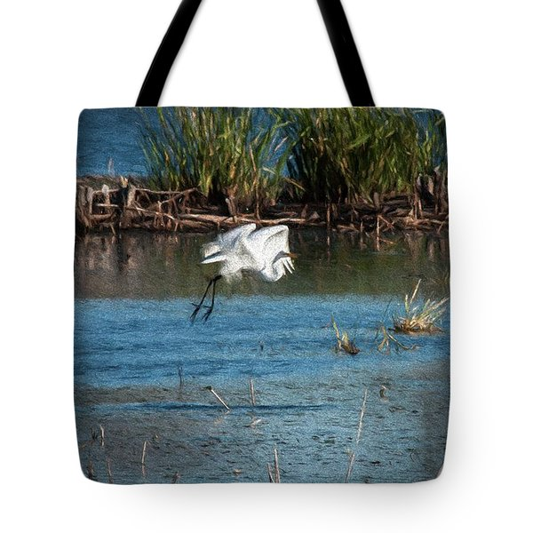 Tote Bag featuring the photograph Egret 1 by Travis Burgess