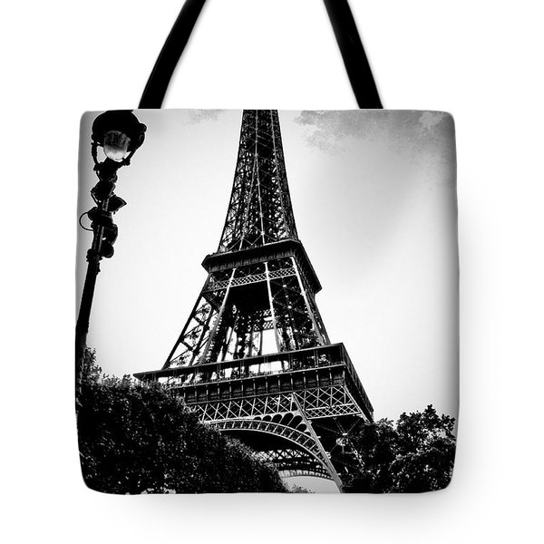 The Eiffel Tower With Vignetting Tote Bag