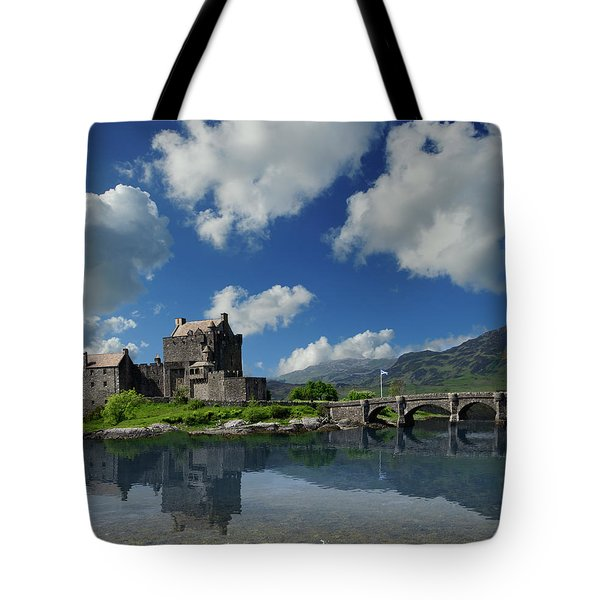 Eilean Donan Castle Tote Bag by Don and Bonnie Fink