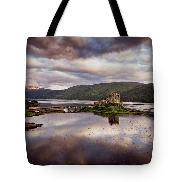 Eilean Donan Castle Tote Bag by Ian Good