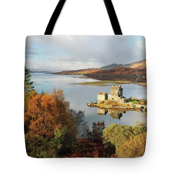 Eilean Donan Reflection In Autumn Tote Bag