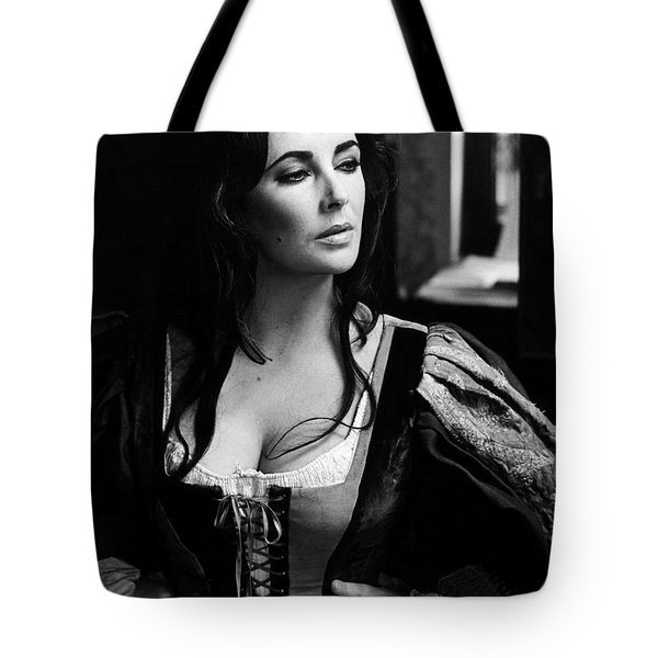 Elizabeth Taylor In The Taming Of The Shrew Tote Bag