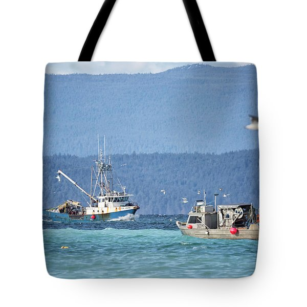 Tote Bag featuring the photograph Elora Jane by Randy Hall
