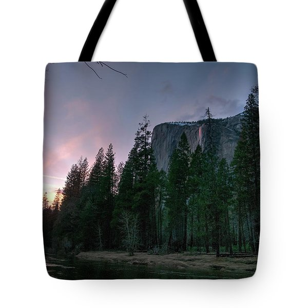 End Of Day, Horsetail Falls Sunset 2017 Tote Bag