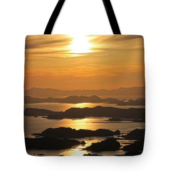 Tote Bag featuring the photograph Ending Of The Day 2 by Yumi Johnson