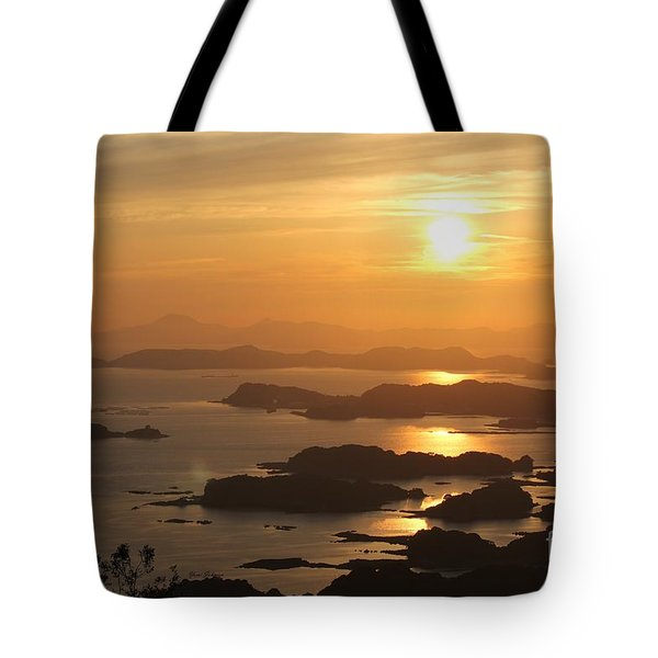 Tote Bag featuring the photograph Ending Of The Day 4 by Yumi Johnson