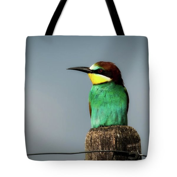 Tote Bag featuring the photograph European Bee Eater by Wolfgang Vogt