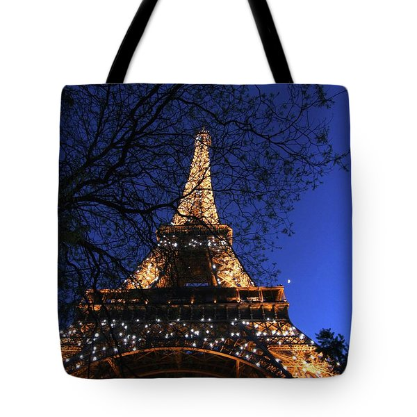 Tote Bag featuring the photograph Evening At The Eiffel Tower by Heidi Hermes