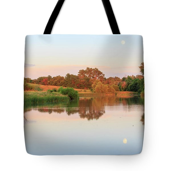 Tote Bag featuring the photograph Evening At The Lake by David Chandler