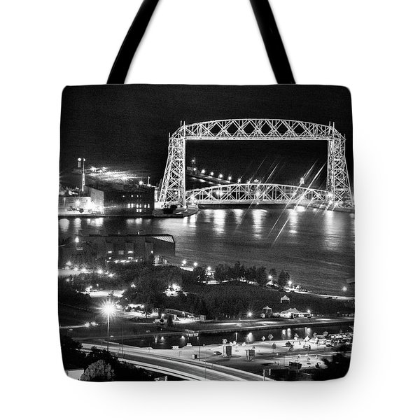 Tote Bag featuring the photograph Evening In Duluth by Bill Pevlor