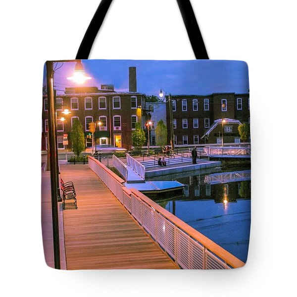Tote Bag featuring the photograph Evening Walk At Nashawannuck Pond by Sven Kielhorn