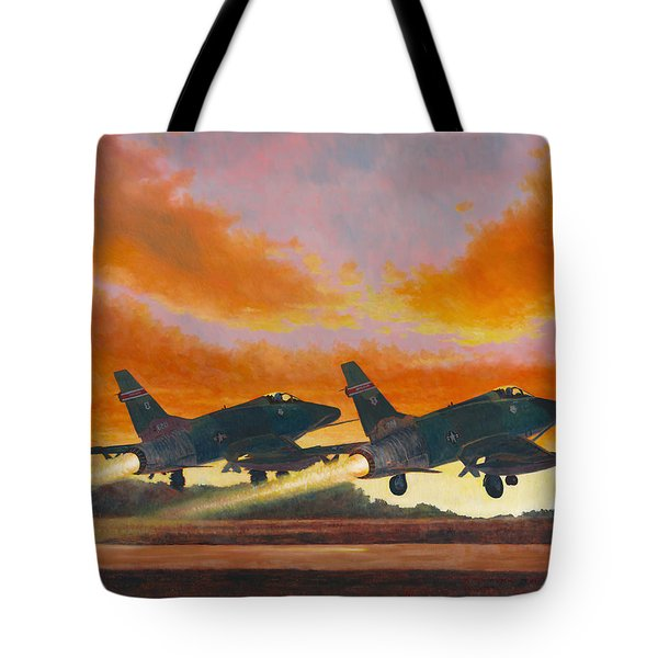 F-100d's Missouri Ang At Dusk Tote Bag