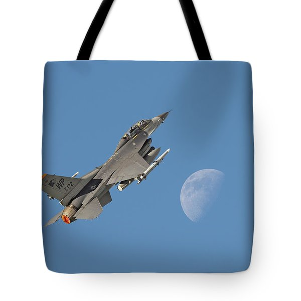 Tote Bag featuring the photograph F16 - Aiming High by Pat Speirs