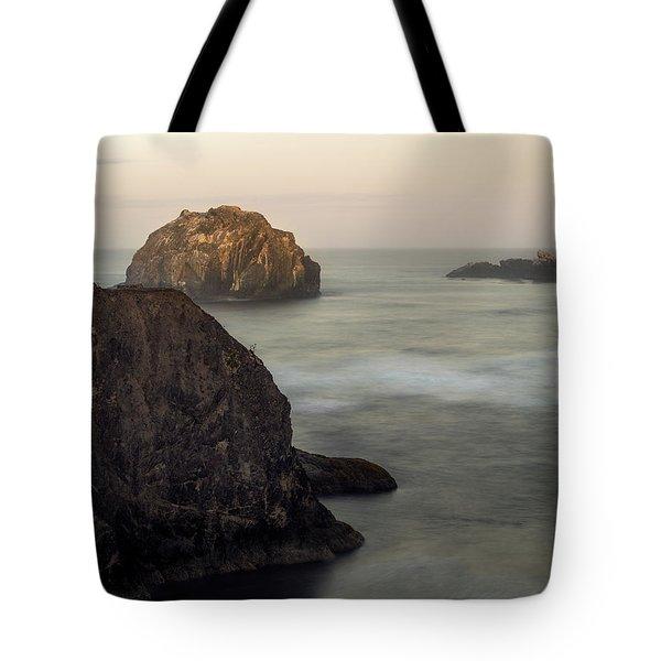 Face Rock Sunrise Tote Bag