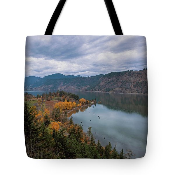 Fall Color At Ruthton Point In Hood River Oregon Tote Bag
