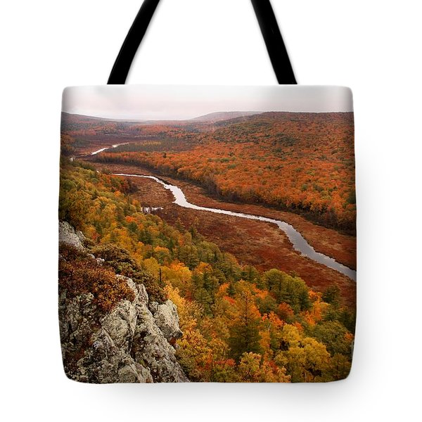 Fall Colors - Lake Of The Clouds Tote Bag